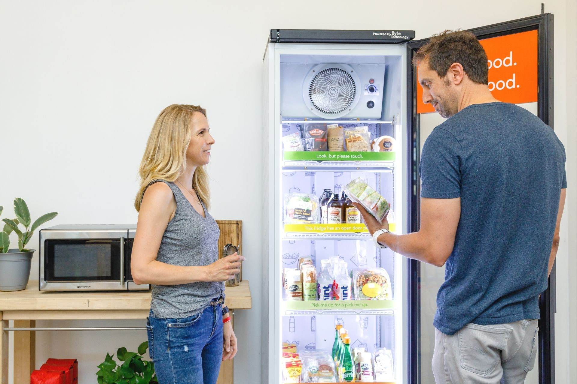 delight customers with fresh food vending